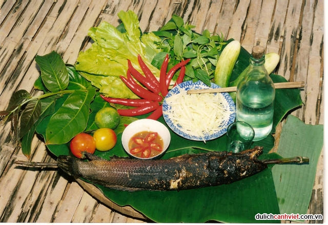 Du-lich-canh-viet-ca-loc-nuong-trui