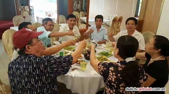 CLB hưu trí thuế Hòa Bình tham quan miền tây tháng 05/2017